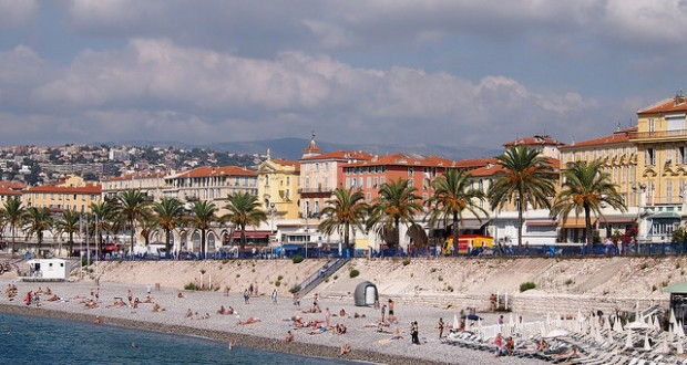 Promenade des anglais (Nice) CCBY Mike Fleming via Flickr
